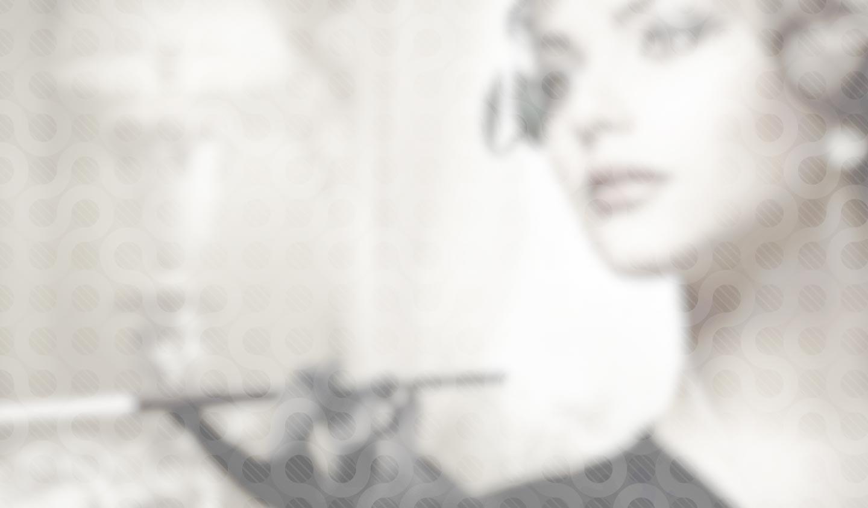 Elegante Frau mit Zigarette, 20er Jahre.